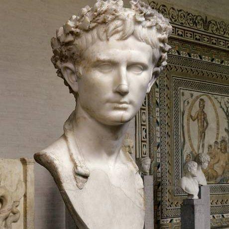 آگوستوس نخستین امپراتور روم